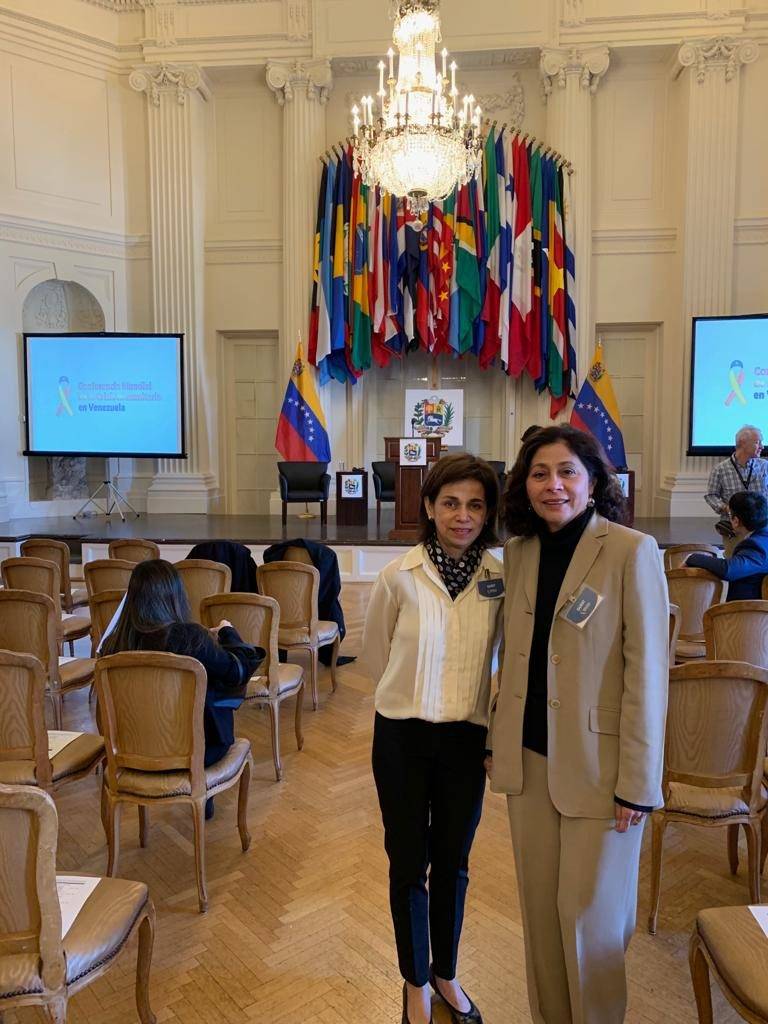Founders Gloria Matiuzzi and Gabriela Rondon at OAS Conference